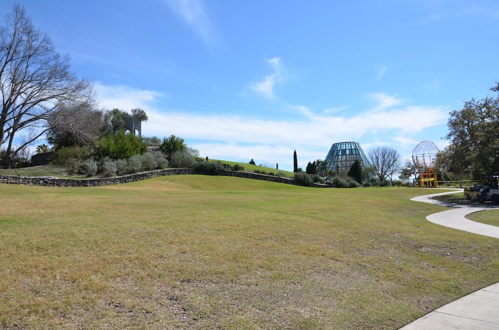 Palatial grounds