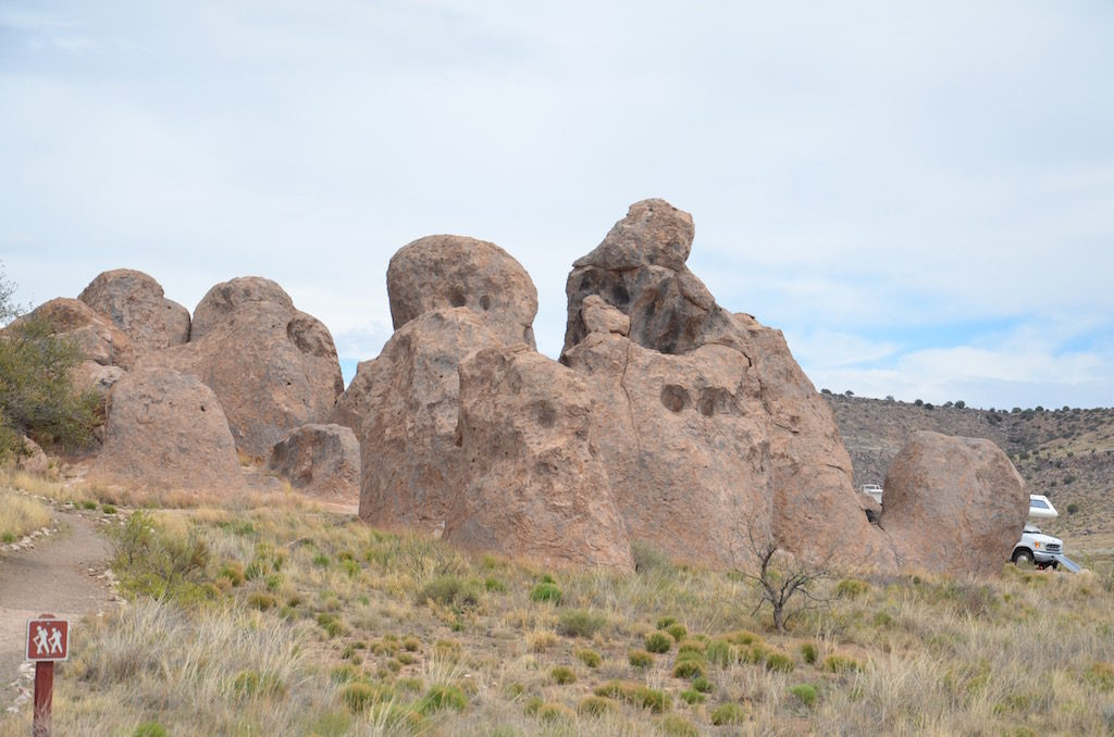 Many interesting rock formations. Very massive as you can see in the following pictures!