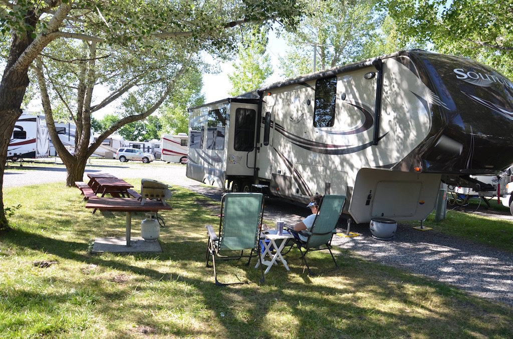 We had a great camping spot at Jim & Marry's RV Park in Missoula. Lots of space, beautifully landscaped with lots of trees, flowers and grassy areas.