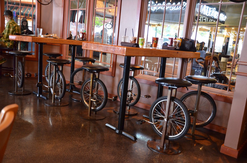 We found a cool bicycle theme bar and restaurant with the help of our good friend Dan Plummer and his fiancé Diane.