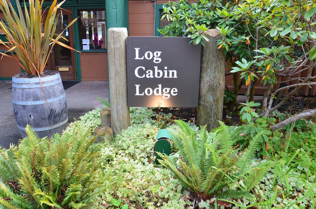 We found this cute lodge up there too; The Log Cabin Lodge.