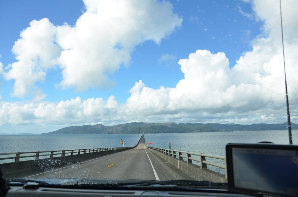 The bridge from Washington to Oregon on the 101