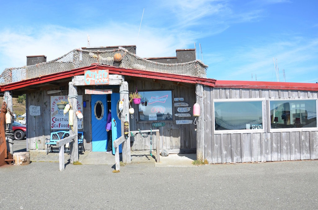 Stopped at this cool little fresh seafood place for lunch.
